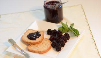 blackberries-844876_640