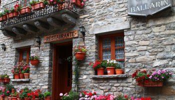 restaurant-892925_640