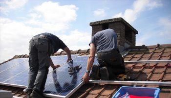 solar-panels-943999_640