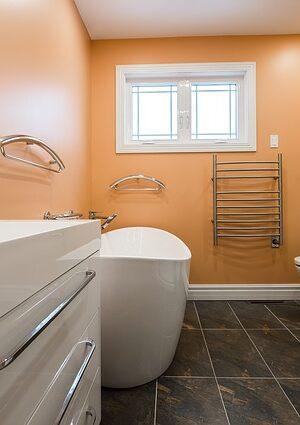 bathroom-2718919_640