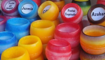 candles-472379_960_720